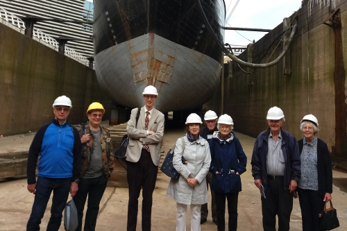 Discovery dry dock tour